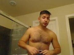 Duş Ayaklı Çıplak Bir Ganimetle Aramaya Hazırlanıyor Seksi Yakışıklı Latino