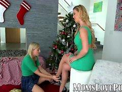Lesbo äiti ja söpö tappaja bang joulupäivänä