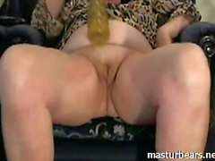 Me 52 years toying and rubbing my pussy