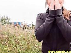 Petite russian Jugendliche Trampen Brillenkamera carsex