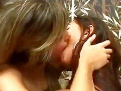 Kissing girls 61