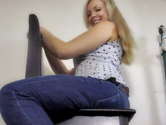 Hot blonde farting in jeans