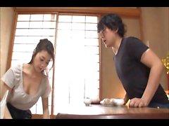 La maman japonaise Maki et son beau-frère 2 (MrBonham)