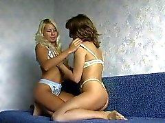 Adolescentes lésbicas russos com punho por TROC