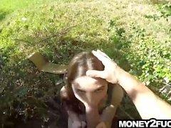 Är teen knullar främmande efter du hjälp med och pengar