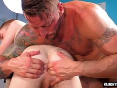 Tattoo gay fetish och cumshot