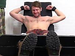 mükemmel bir vücut ile colby Keller metrelik ve başparmak bir gıdıklama olur