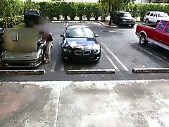 Vaaleat huora myy hänen autoaan ja pounded kohteessa panttilainaamon