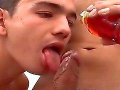 Reizvolles Walter befindet sich ohne Kondom gedreht wurden mit seinem Kumpel Hernán mit
