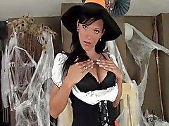 Bébé dans d'une déguisement et de lingerie de des l'Halloween