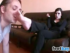 Goth Gets Her Feet Worshipped