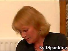 Ass Straffas sexig brunett