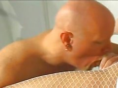 Blondes Sexy Nurse Bumsen kahlen Mannes