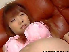 Preggo orientale si fa suo pussy peloso apre