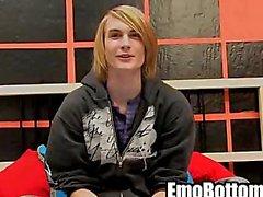 Emo Twink Preston Andrews Ziehen an seinen harten Schwanz