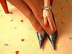 dedos de los pies nailon rojo