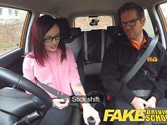 Gefälschte Driving School amerikanischen Teen von Instructor creampied