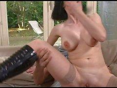 FRENCH FÄLLIGER 36 analen brünett mom MILF und ein jüngerer Mann