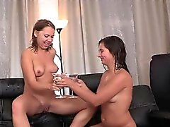 Mijada brincam com de Diana Dali e de Nataly