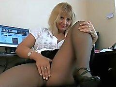 vanha sihteeri aiheuttaa sukkahousut