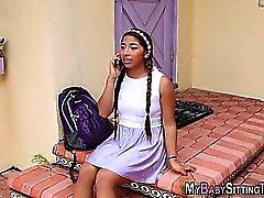 Latina Babysitter Wichse