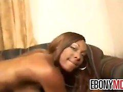 Dell'ebano Whore con un figa pelosa vuole un la BBC