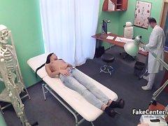 Tohtori cumming potilailla suun