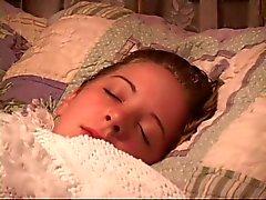 Sleeping tyttö saa suunsa teipatut ja kädet sidottu