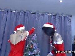 divertimento felice festivo a di Ben Dovers Crib