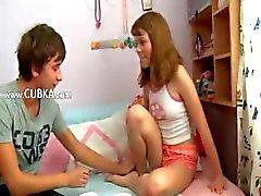 Rus kız öğrenciler seks zevk