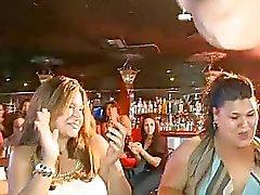 Mulher fode uma stripper