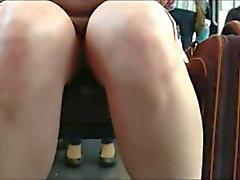 debajo de la falda en tren brasil 7