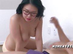 korea1818 - Seksi Gözlük Kore Babe!