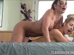 Claudia Valentine Massages Courtney Taylor Hot Lesbian
