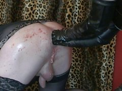 korkak kölesi güzel bir fisting alır