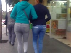 Ass in jeans, culo apretado