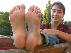 french girl barefeet 2