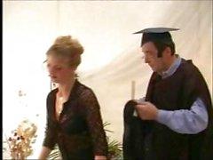 Sborra slut inglesi , di Zoe giovane , si fa scopare come regalo di diploma