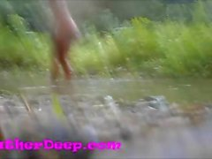 Heather Derin nehir ormandaki dörtlü creampie alır