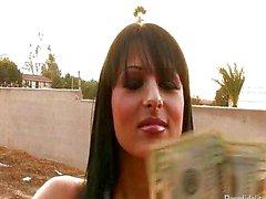 Esposa peituda contrata um Hot húngaro Hooker
