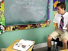 A cena alegres quente de Dustin Revees e Leo Página 2 estão escolares do st