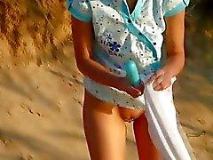 Meisjes op het strand plezier