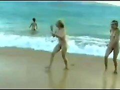 VOYEUR ON THE BEACH sexy honeysOn the sun