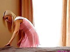 Slutty bambino di Kenna vuole Xandra di degustare figa