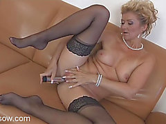 Chic solo older honey in pearls toys her box