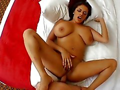 Alexis Silver zwaluwen na anale
