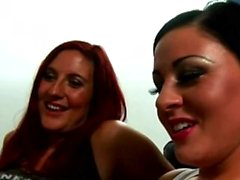Vier geiles babes in CFNM Porno Video