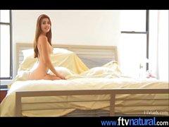 Hot Teen Amateur Masturbate With Sex Toys movie-21