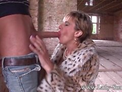 UK Milf Lady Sonia in outdoors cuckold blowjob and fuck