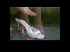 Shoeplay hänen kanssansa kauniissa jalat ja varpaat POV